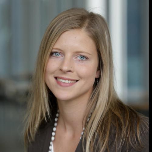 Laurita Mross - Marketing Communications & Startup Specialist @hubraum, Ex Deutsche Telekom - EIT Urban Mobility Mentor